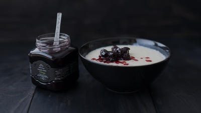 Rice pudding with sour cherry
